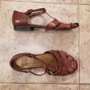 Good Cond. Mootsies Tootsies Leather Brown Sandals